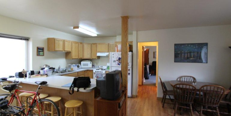 422 kitchen & livingroom 2