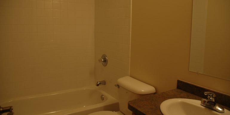 418-A bathroom