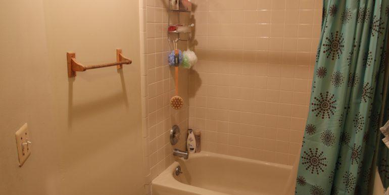 426-D bathroom