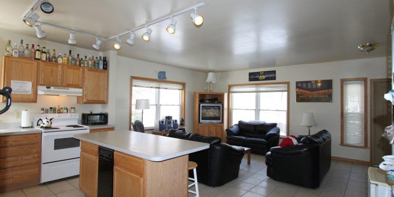 1522 living room
