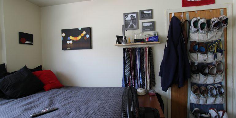 1522 bedroom