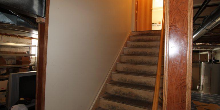 1522 basement stairs