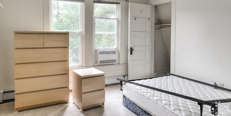 1601 S University bedroom