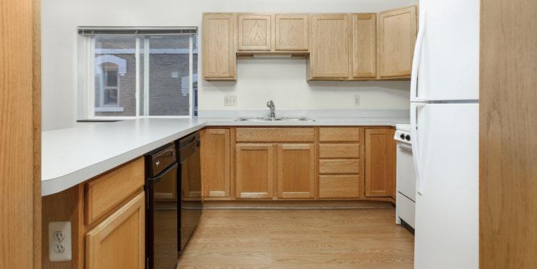422 EK kitchen 2