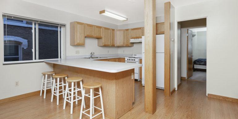 422 EK kitchen