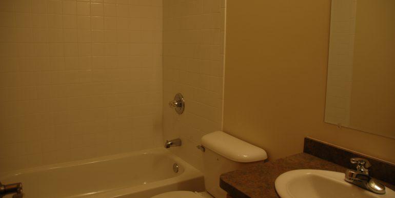 418-A bathroom
