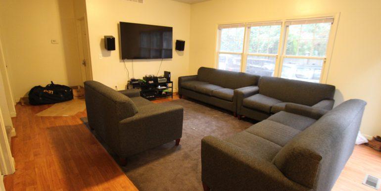 1027 rear living room