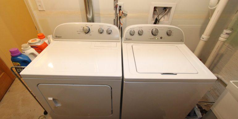 814 Sylvan laundry