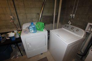 824 Sylvan laundry